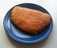 Pirkka iso lihapiirakka lautasella